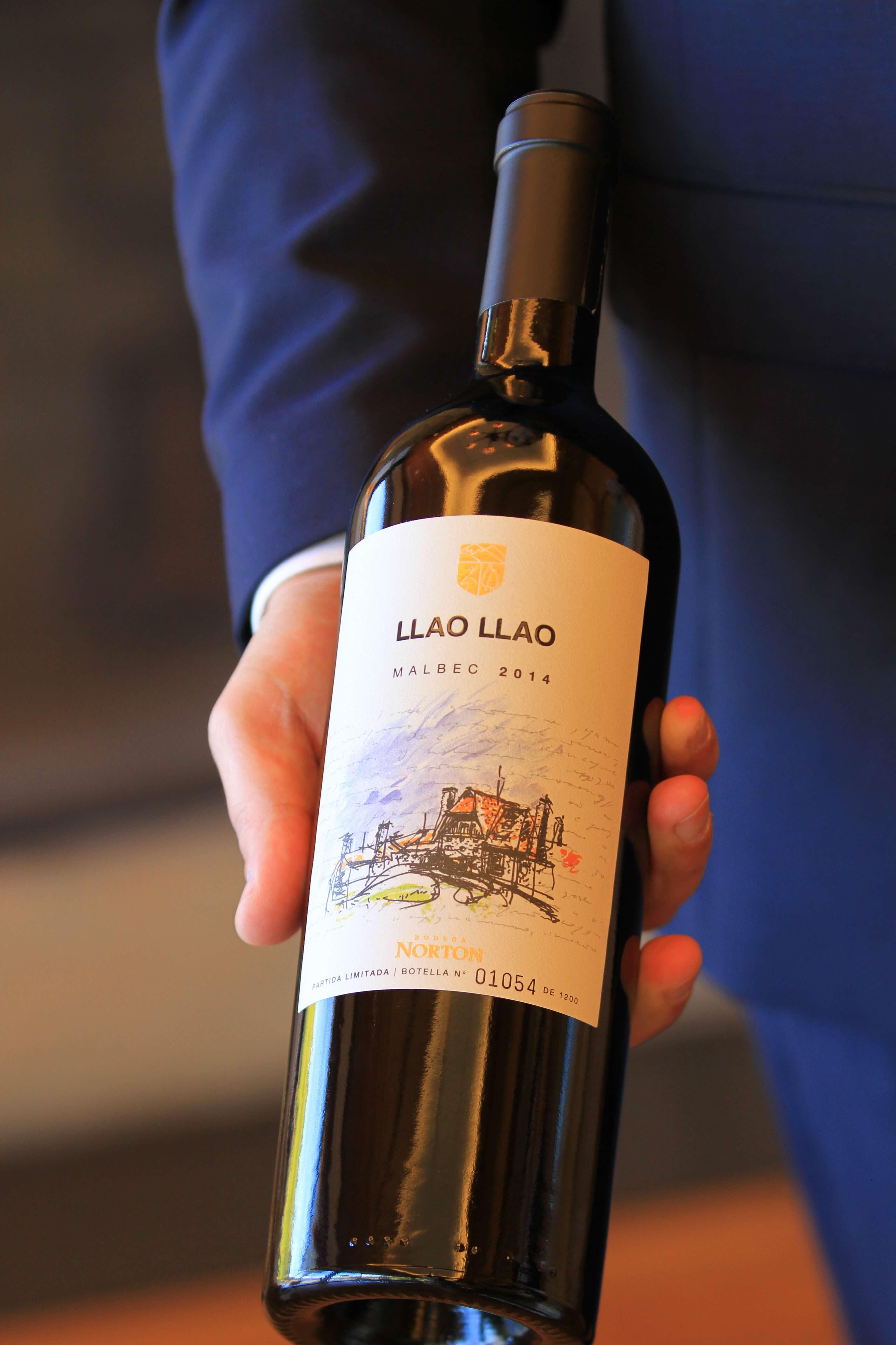Llao Llao presenta su exclusivo vino Malbec, una creación de Bodega Norton